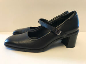 Women's Leather Rockport Shoes Black Size 7 Brand New in Box