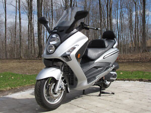 Excellent Condition 2009 SYM RV250 Scooter