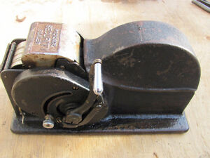 ANTIQUE VINTAGE GUM TAPE DISPENSER