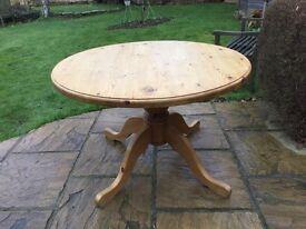 Fantastic 4ft Circular Pine Table....4 leg pedestal