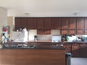 BRIGHT & SPACIOUS - Roommate Wanted - KING & DUFFERIN