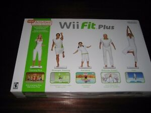WII FIT PLUS WITH BALANCE BOARD & GAME IN BOX