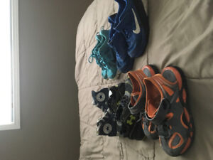 5 pairs of boys shoes size 12