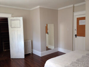 furnished rooms ava Now , 245/week, minimum two weeks