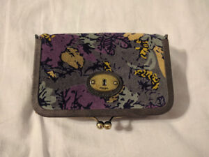 BRAND NEW Fossil Makeup case