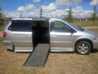 2005 Dodge Caravan SLX Minivan, Handicap Van