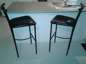2 Tabouret bar en cuir / leader bar Stools 60$