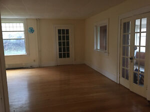 Huge 1 bedroom Character Apartment next to PACI