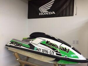 Kawasaki stand up jet ski 750 sxi pro