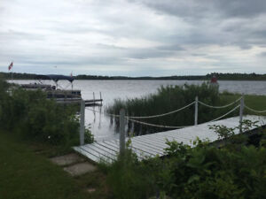 Lake Front Bungalow for rent in Campbellford