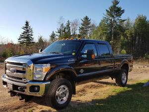 2013 Ford F-250 Xlt diesel with new boss v plow