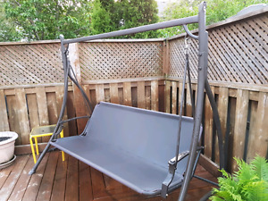 Large 3 person patio swing