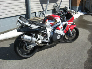 1999 Yamaha YZF-R6 (Parts Bike)