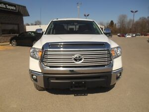 2015 Toyota Tundra Limited 5.7L Double Cab 4WD Peterborough Peterborough Area image 9