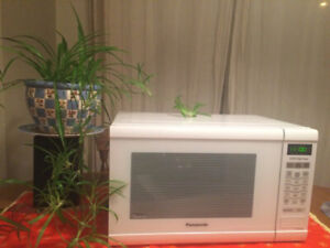 Don't Let This Go ! $50 ! Panasonic Inverter Microwave 1200 W