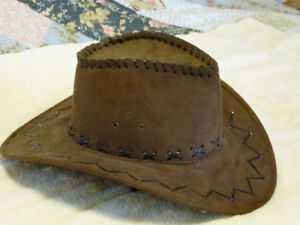 Ladies brown cowboy hat. Medium size.