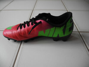 Mens NIKE Mercurial Vortex Soccer Cleats Shoes Size 9 Pink Green