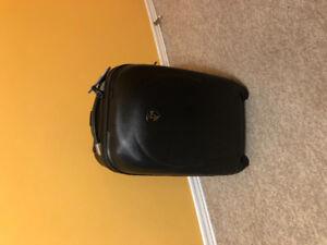 Heys carry on roller bag suitcase