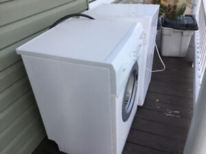 Whirlpool apartment size washer and dryer- dryer works
