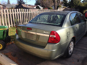 2005 Chevrolet Malibu - AS IS $800 OBO London Ontario image 4