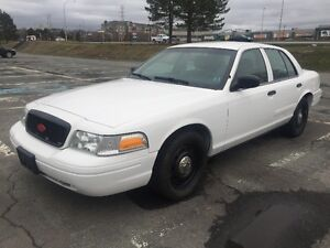 2010 Ford Crown Victoria      Police Interceptor  km 77000 only
