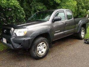 2012 Toyota Tacoma Access Cab 4X4 Pickup Truck