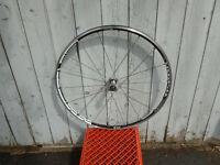roue avant dt swiss vélo de route 700 neuve