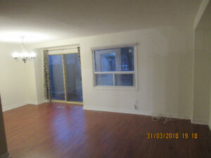Beautiful Mississauga Town house 3 Bedrooms 2.5 Washrooms