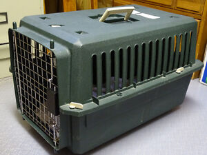 "PET CARRIER, MED SIZE 24"" X 16""W, EC"