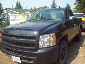 2011 Chevrolet Silverado 1500 Pickup Truck Short Box