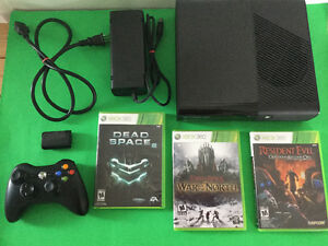Xbox360-wifi intégré-3 jeux-Lord Of the Ring-Resident Evil.-140$