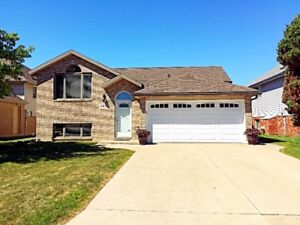 CHARMING RAISED RANCH IN SOUTH WINDSOR!