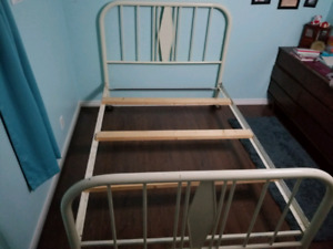 Antique metal frame double bed