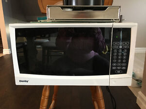 Microwave lightly used