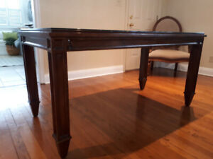 Windsor Collection Table w/ Glass