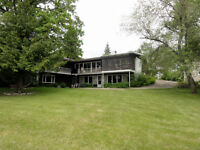 Riverfront Home on 1.4 Ac in Selkirk