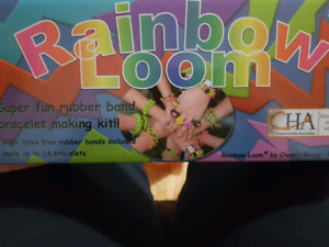 Rainbow loom set with extra bands