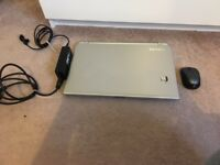 "Toshiba Satellite S50-B i7 4GB 685GB HDD 8.1 windows 15.6"" almost new"