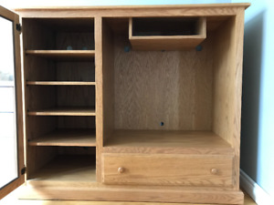 Solid Oak Cabinet - Like New Condition!