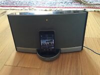 iPod 3 with BOSE Portable Speaker docking station!!