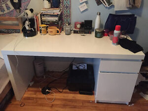 Ikea Desk in GREAT condition