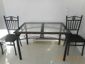Dining table with 4 chairs West Island Greater Montréal image 2