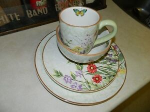Pier One 8 piece Floral Dishes