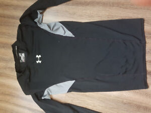 Under armour shirt mens small* fits small