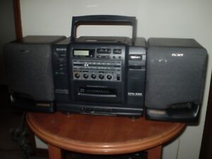 SONY BOOMBOX CFD-535 CD - RADIO -  CASSETTE PLAYER EXC. COND.