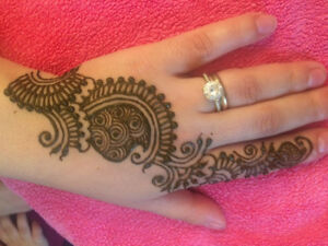 Henna Artist for Parties and Events