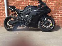 Yamaha r1 Big Bang panther black 07849681555