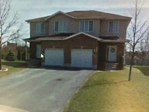 Available Feb. 1st - 3 bedroom Semi in Cataraqui Woods