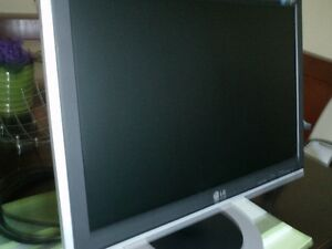 LG Flatron 20 widescreen very good condition, very good colors