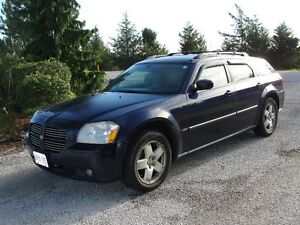 2006 Dodge Magnum RT Wagon MUST SELL make an offer !